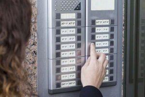 impianto-citofonico-condominio C.A.T. sistemi di sicurezza - Torino e provincia